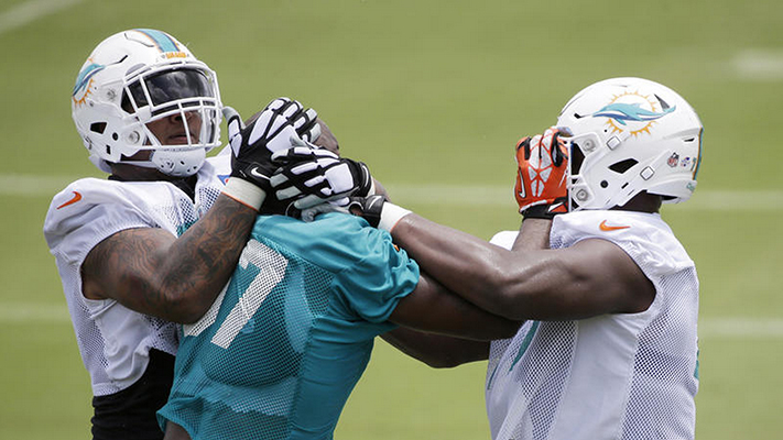 Ja'Wuan James and Kendall Montgomery Get into Skirmish During Practice