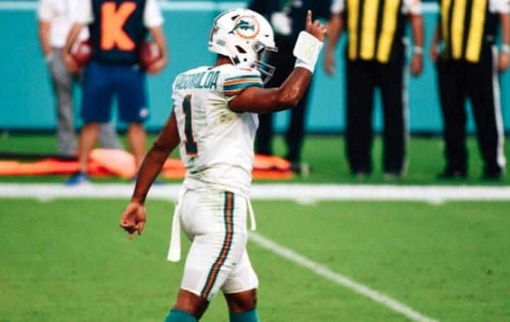 Tua Tagovialoa Miami Dolphins